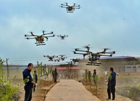 無人機打农药能赚多少钱?有人45天入手8万元