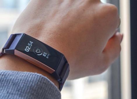 谷歌21亿美元收购Fitbit与苹果竞争健康硬件领域
