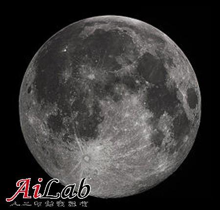 神秘月球近乎完美的轨道