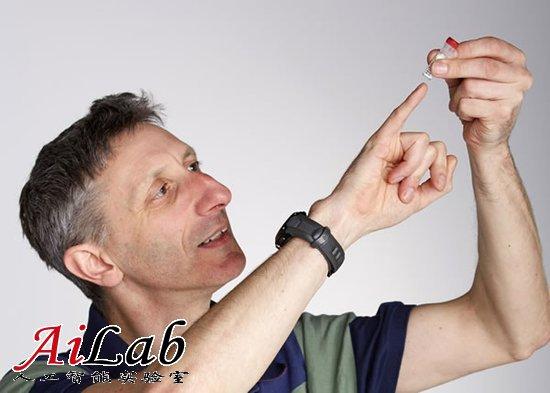 英国科学家用人造DNA储存莎士比亚诗集