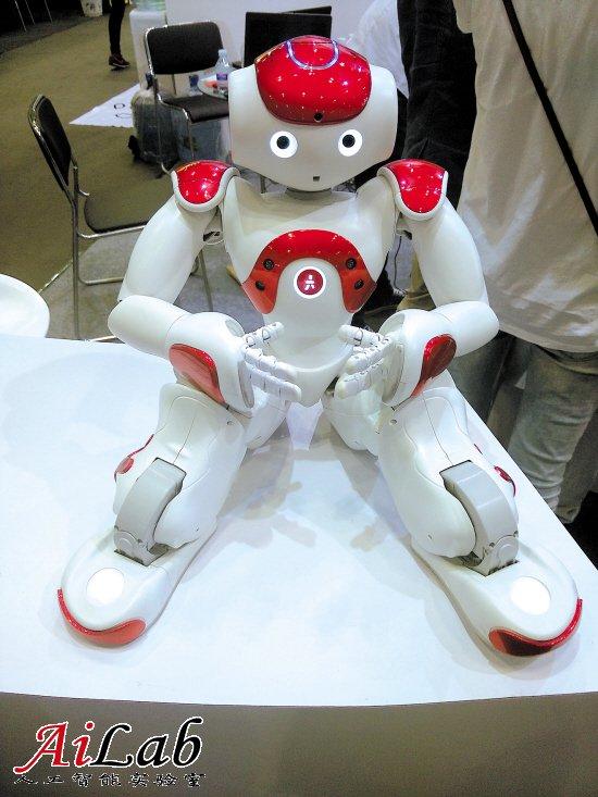 机器人这下真火了 机器人时代 触手可及