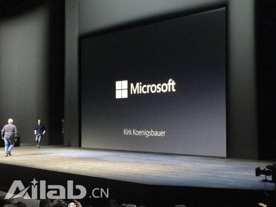 iPad上演示Office 废Surface武功的节奏