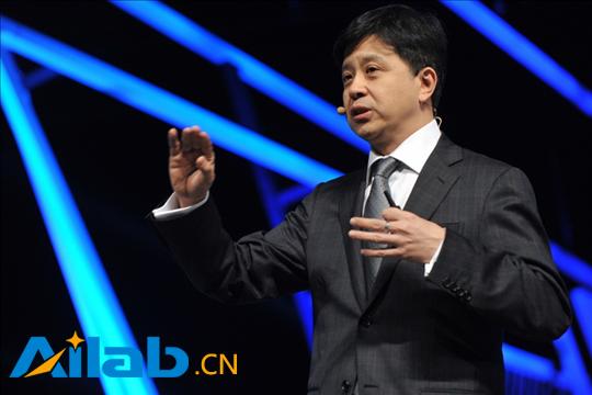 """微软洪小文:人工智能应该叫""""人类增强智能"""""""