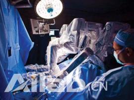 已开展了42000余例机器人手术 医生也要被取代