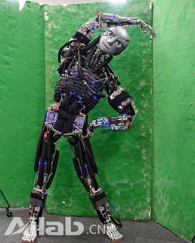 设计极为精密!日本造重现人类肌肉骨骼的机器人