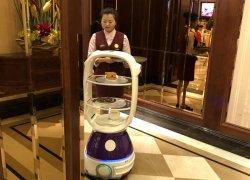 加速场景落地 擎朗机器人进入餐厅、商场、酒店、展馆!
