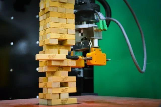MIT的机器人会玩叠叠乐了 手残的你怕不怕?