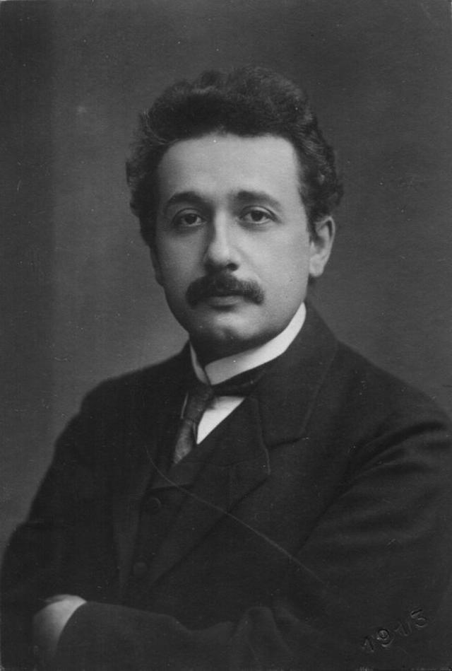 爱因斯坦为什么反对新量子力学?他不相信上帝掷骰子